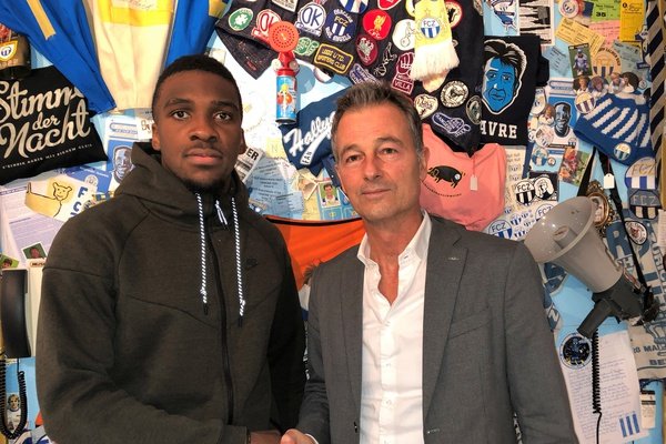 FC Zurich sign center-forward Yann Kasai